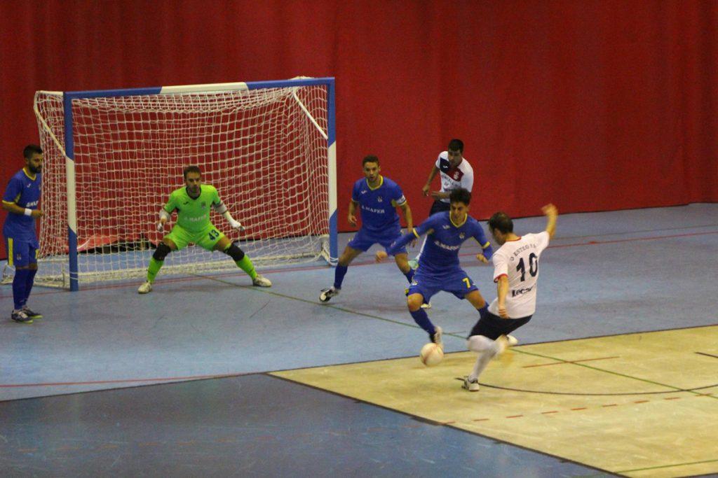 Derbi en la Copa Galicia entre O Esteo F.S. y Cidade de Naron